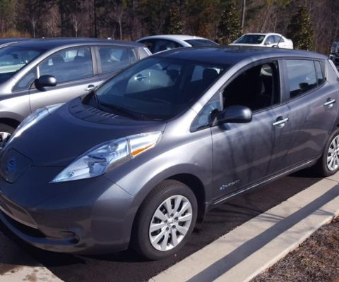 Nissan LEAF 2015 S+ 29 041 Km – 18 900 $  (seulement 16 371 $ avec subvention)