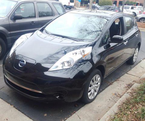 Nissan LEAF 2015 S+ 41 819 Km – 18 900 $  (seulement 16 571 $ avec subvention)