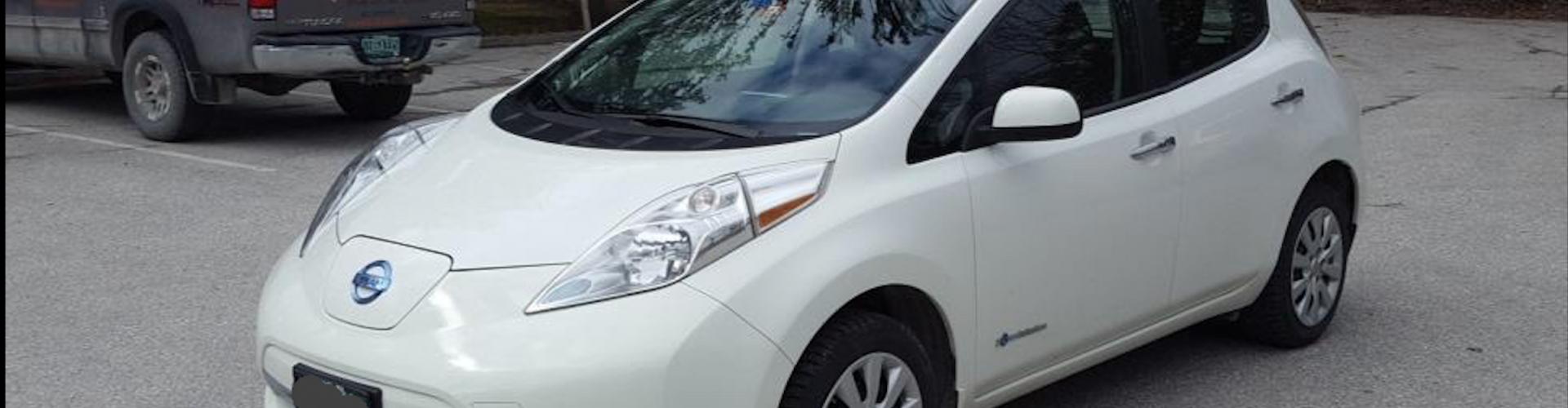Nissan LEAF 2015 S+ 49 470  Km – Seulement 16 421 $ avec la subvention – VENDU