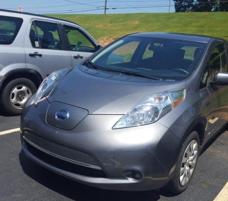 Nissan LEAF 2015 S+ 42 358 Km – Seulement 16 871 $ avec la subvention – RÉSERVÉ