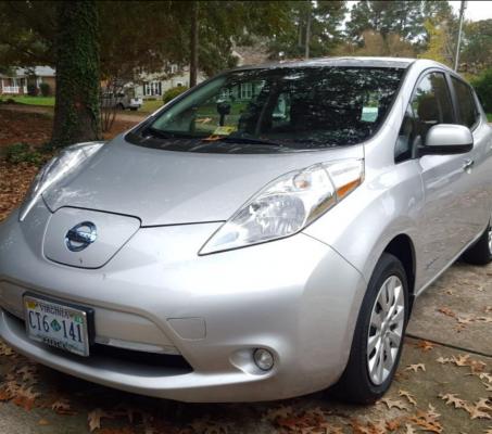 Nissan LEAF 2015 S+ 39 551 Km – Seulement 16 871 $ avec la subvention – DISPONIBLE