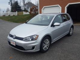 Volkswagen e-Golf LIMITED EDITION 2015 – 45 452 Km – Seulement 23 421 $ avec la subvention – VENDU