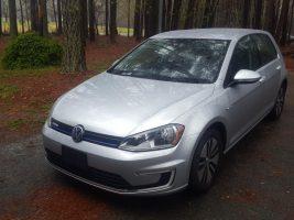 Volkswagen e-Golf SE 2016 – 33 281 Km – Seulement 23 020.98 $ avec la subvention – VENDUE